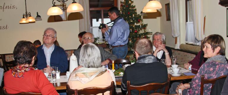 Weihnachtsfeier 2013 Gäste mit Klaus