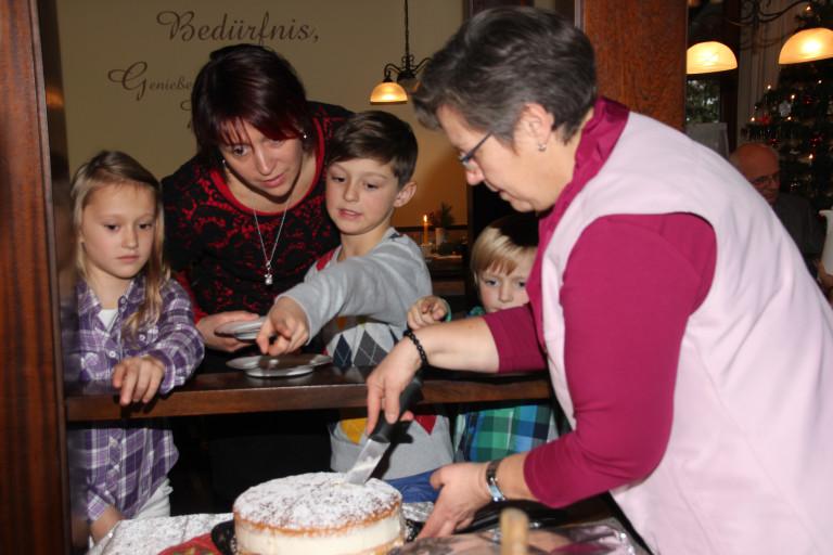 weihnachtsfeier 2013 Kuchen